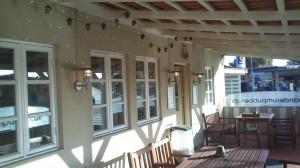 Besøg vores hyggelige terrasse